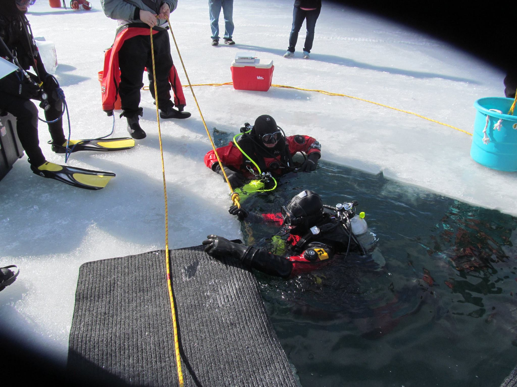 Ice Diving Midwest Scuba Diving School White Bear Lake Minnesota